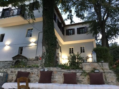 Alchemist - Portaria plateia portarias Greece
