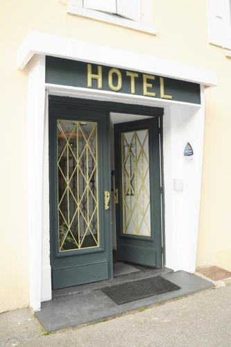 Façade ou entrée de l'établissement Akena Hotel Du Commerce