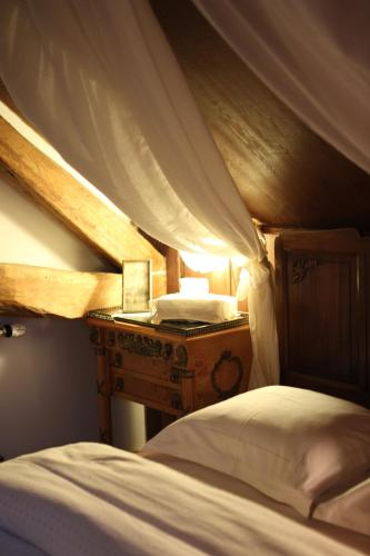 Bed and Breakfast Chateau-Gaillard, Corbelin, France - Booking.com