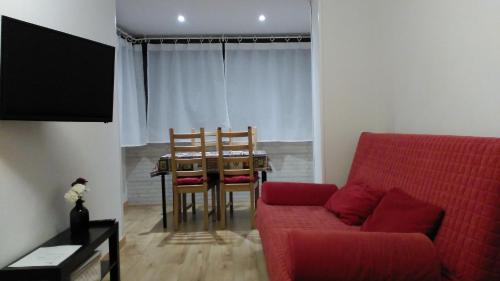 The lounge or bar area at Madrid Rent 3