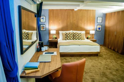Nomad Luxury Suites