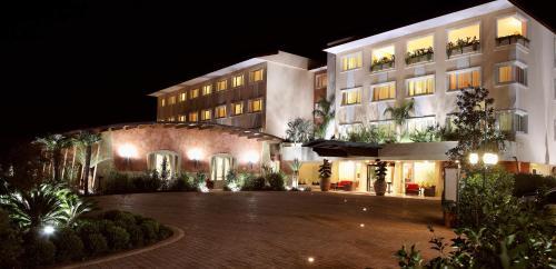 塞密拉米德皇宮酒店