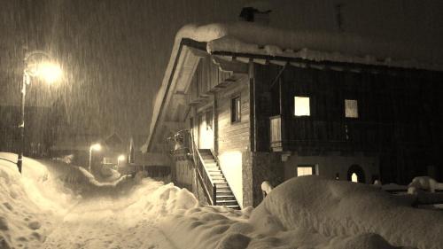 Kratter Alpenplick saat musim dingin