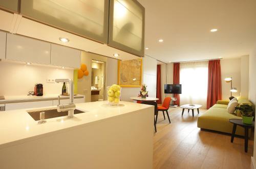 加泰羅尼亞蘭布拉科斯莫公寓