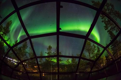 Kakslauttanen Arctic Resort - Igloos and Chalets