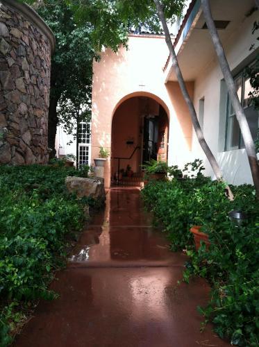 Lundeen Inn of the Arts