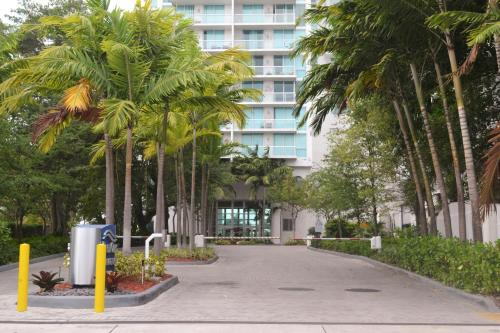 River Lux Tower Resort By Nomad Guru