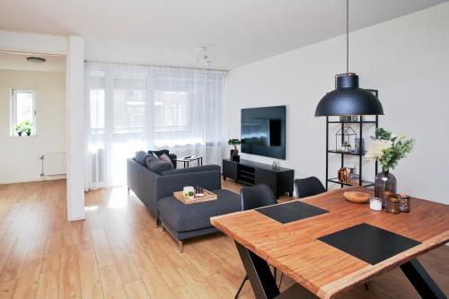 Elzen City Apartments 1