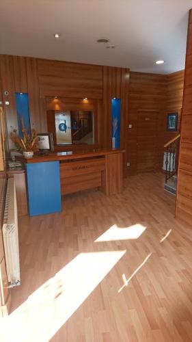 El vestíbulo o zona de recepción de Hotel Valmar