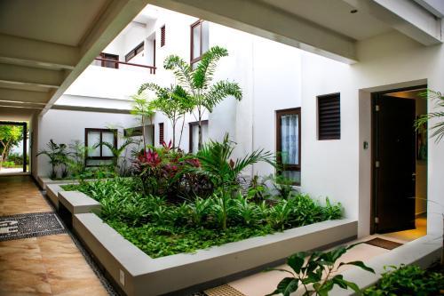 Tropical Garden Condo