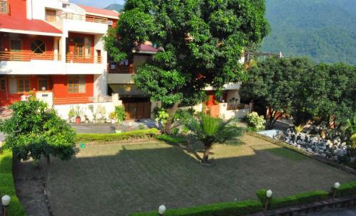 Exclusive View Room Near Ram Jhula