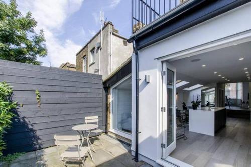 3BR Architect Designed House