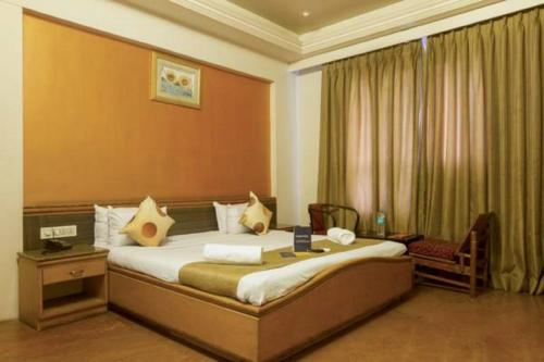 FabHotel Club Royale Airport