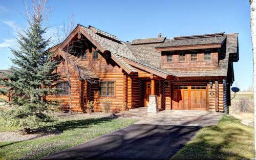 Dreamchaser Cabin- BT 30