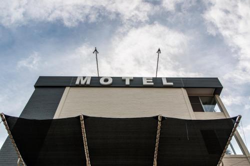 Port Aloha Motel
