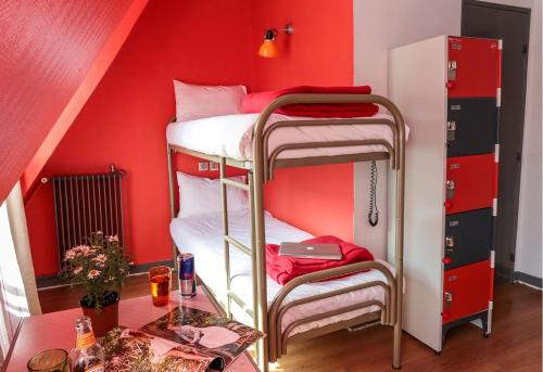 Smart Place Paris Hostel & Budget Hotel