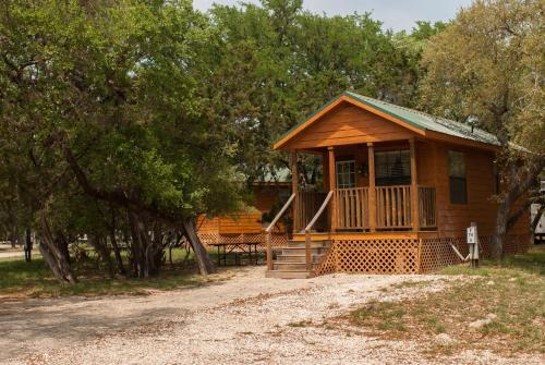Medina Lake Camping Resort Cabin 6