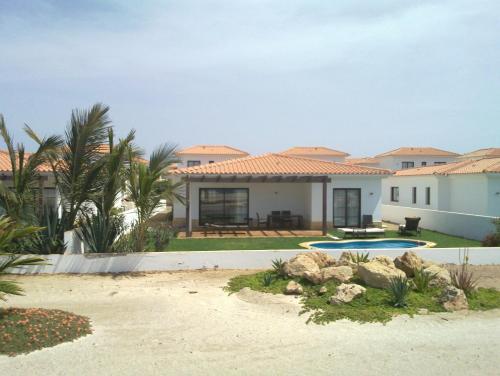 Tortuga Beach Villa