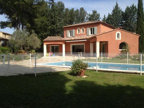 Spacious Villa with Swimming Pool - Chemin de la Souque