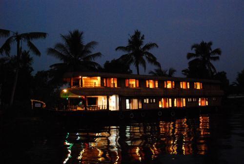 BIG B Houseboats