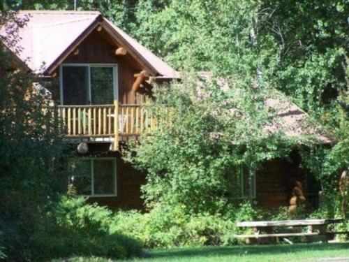 Timber Wolf Log Townhome at Wolfridge Resort