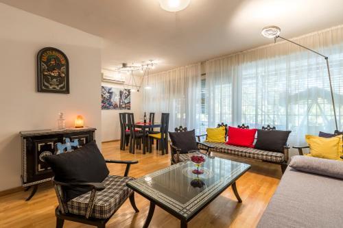 Apartment Welcome Split