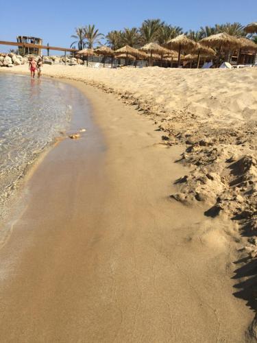Sawary Beach Hotel
