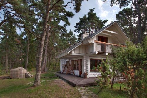 Arnold's Summer Residence
