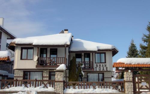 SnowNest Villas