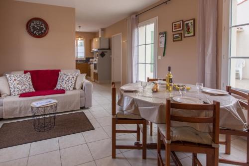 Restaurant ou autre lieu de restauration dans l'établissement Atlantic Residence