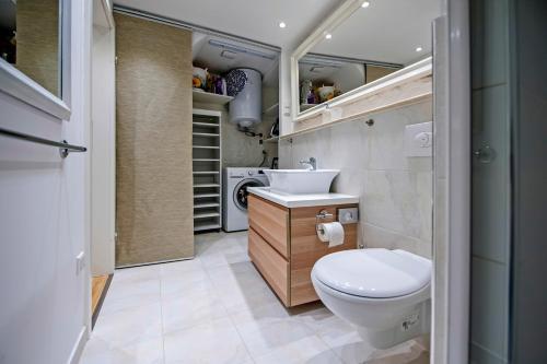 A bathroom at Studio Valdibora