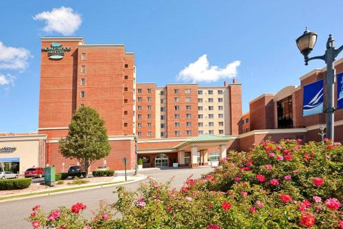 Homewood Suites by Hilton Edgewater-NYC Area