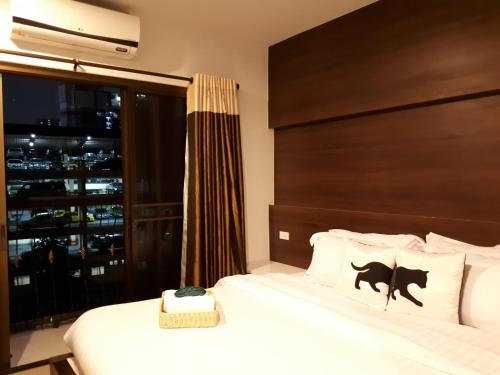 Bed By City Surawong Patpong Hotel