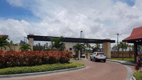 Excelente Hotel Oka Beach Residence