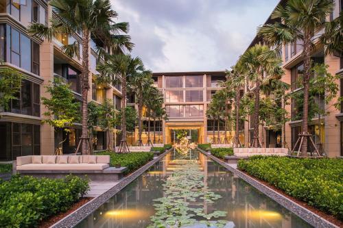 Sansiri BMK Deluxe Apartments