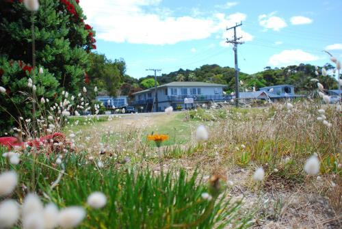 Matapouri holiday units