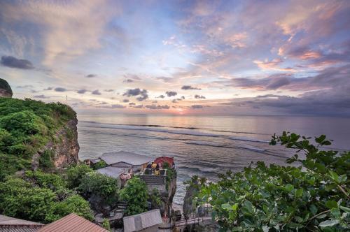 Uluwatu Cliff Apartments