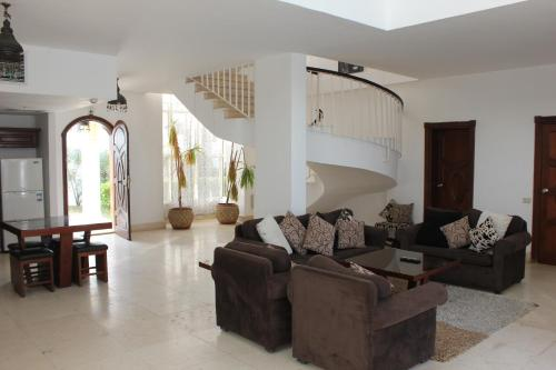 Carlton Luxury Villa