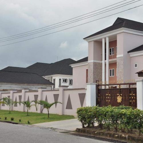 Majesty Realm Hotels, Uyo, Nigeria - Booking com