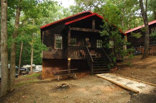 Carolina Landing Camping Resort Luxury Cabin 7
