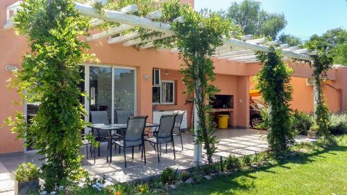 Ferienhaus La Ribera Home & Rest Mendoza (Argentinien Maipú ...