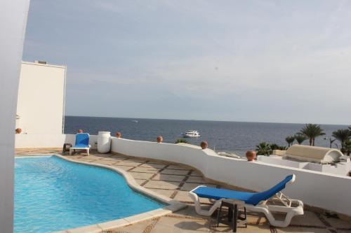 Carlton Luxury Villa