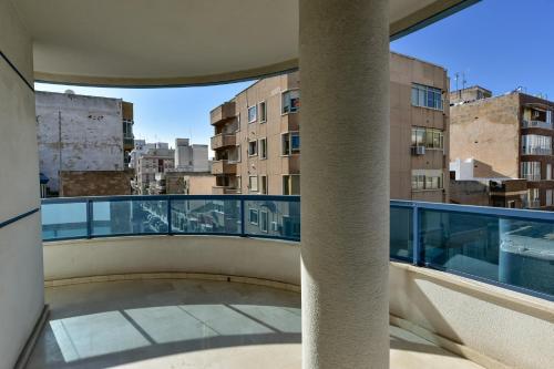 A balcony or terrace at Gala Centro Modern I