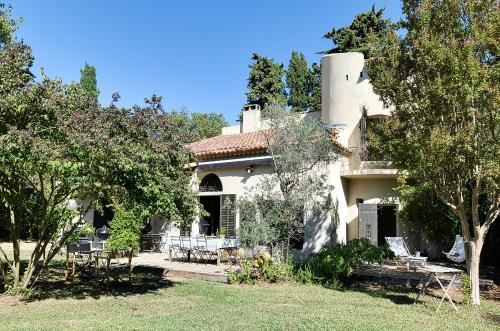 Charm and Authenticity in the Alpilles