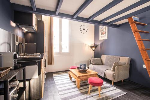 Studio Mezzanine Bleu, Roquebrune-Cap-Martin, France (deals from ...