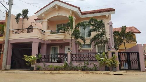 La Rosas Mansion