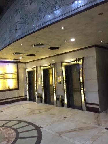 Book 3 star hotel room in makkah at Al Masah Al Makeya Hotel - lift