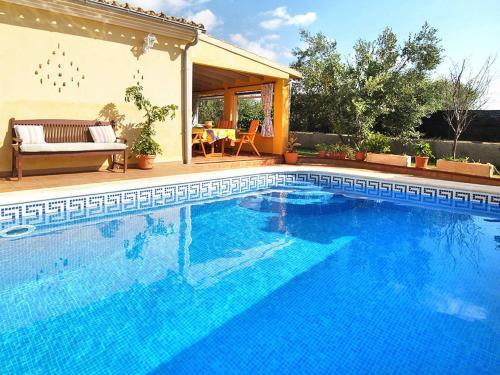 Ferienhaus mit Pool (121)