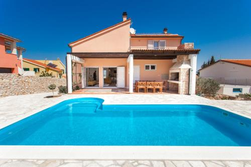 Villa Seaview House With Pool Murter Croatia Booking Com