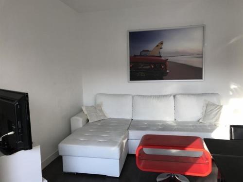 Apartment Résidence impératrice b1 : le centre-ville et la plage à 750m